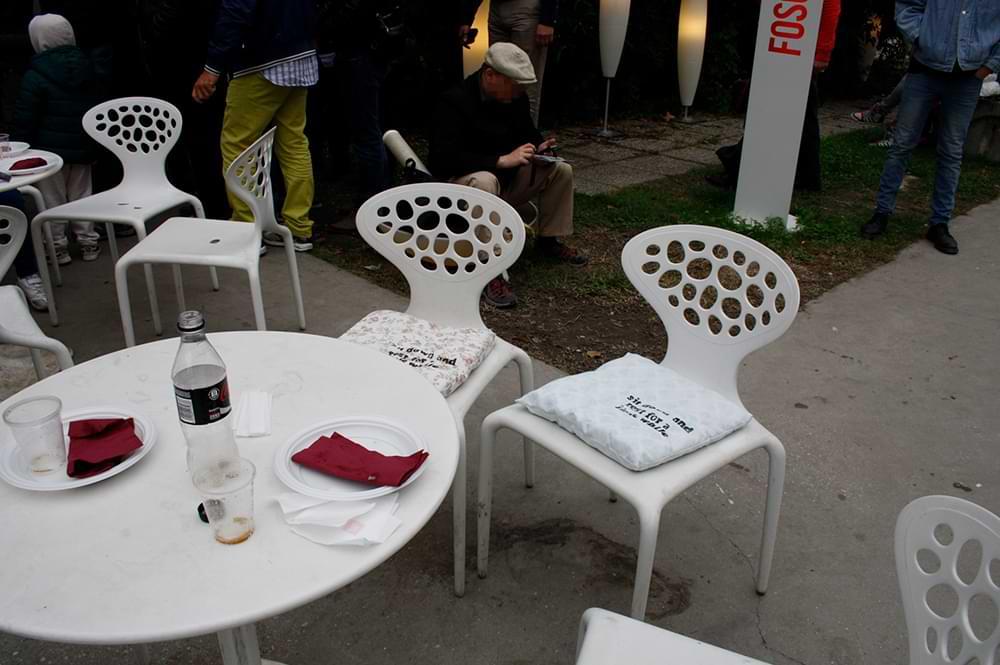 christiane haag actionart artproject intervention aktionskunst fabricprint slowdown urbanart venice biennaledelarte